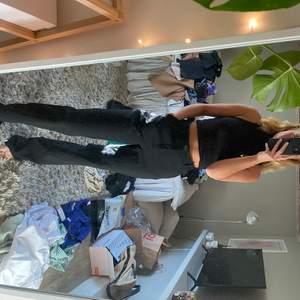 Förlåt för smutsig spegel!! Raka kostym byxor från zara, använda fåtal gånger då dom är lite för stora för mig