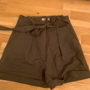 Jätte fina kostym shorts som inte längre passar mig 💕