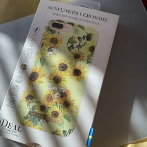 iPhone skal från ideal of sweden. Sunflower Lemonade passar för iPhone 8/7/6/6s plus. Har används några gånger, i väldigt bra skick. Ser väldigt snyggt ut.