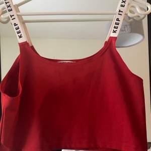 Jättefin röd topp från antonija mandirs collection med madlady!❤️ strl L, gratis frakt❤️
