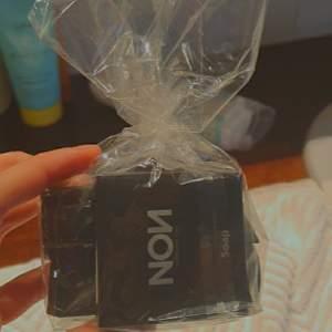 Helt oanvända produkter från märket nov! En tvål, en shampoo och en ansiktsktäm! Perfekt att ge i present🥰 dm vid intresse!