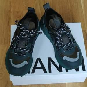 Äkta GANNI låga sneakers stl 39