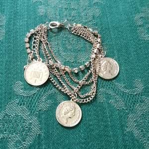 Armband med blandade kedjor. 20 kr inklusive frakt