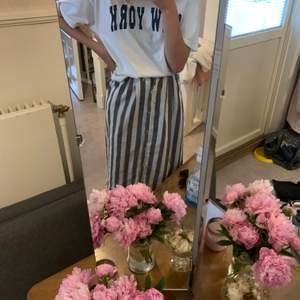 Säljer den linne inspirerade kjolen från zaful i strl s som ej kommer till användning👍💗😄