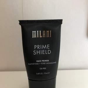 ✨ Primer från Milani som mattar ner och minskar porer. Fri från olja. 100kr med frakt ✨