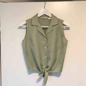 Vintage linne i 100% silke. Aldrig använd 🌞