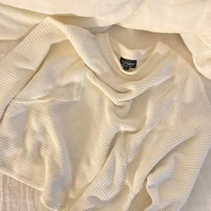 super fin tröja inköpt från Top shop i Dubai, storlek 36😍😍