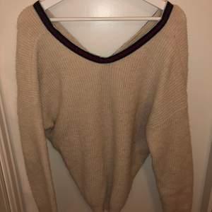 Stickad tröja från Tessie