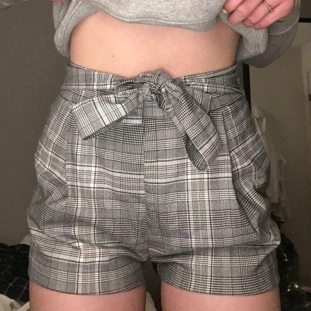 Gråa shorts aldrig använd i toppen skick, mjuka . Shorts.