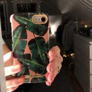 iPhone 6/7/8 skal från Ideal of Sweden. Skalet är från Jammi Olsson Delén's kollektion. Bara andvänt ett fåtal gånger! (Frakt tillkommer) 💞💞💞
