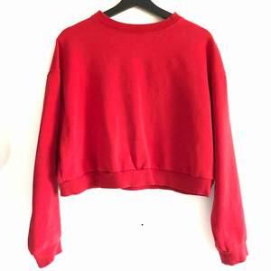 Röd tröja 🧮 kan mötas i Jönköping annars står köparen för frakten