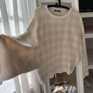 Super fin rutig tröja som är använd 2-3 gånger!