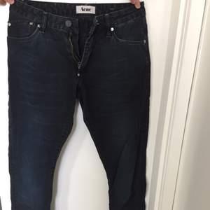 Svarta jeans från Acne. Modellen Hug som har loose fit. Superfina!