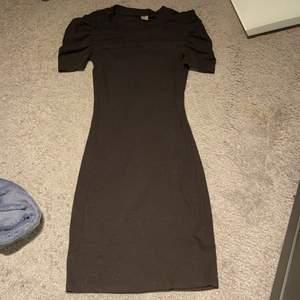 Superfin klänning från hm. Frakt inkommer