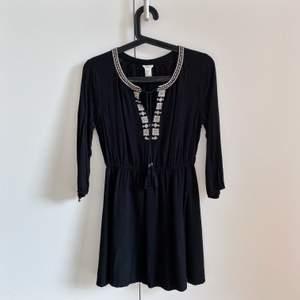 En superfin och gullig boho-klänning från forever 21. Felfri och trendig.