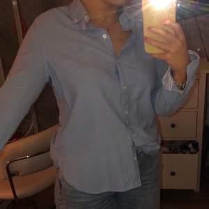 Skjorta från Cubus, köparen står för frakten