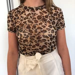 Meshtopp i leopard