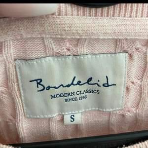 En bondelid tröja använd få gånger nypris 799kr säljer för 150kr köparen står för frakten och priset kan diskuteras <3