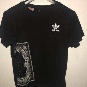 Äkta adidas t-shirt i fint skick 😊🌸
