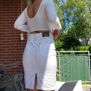vit stretchig jeanskjol som en s/m☺️☺️