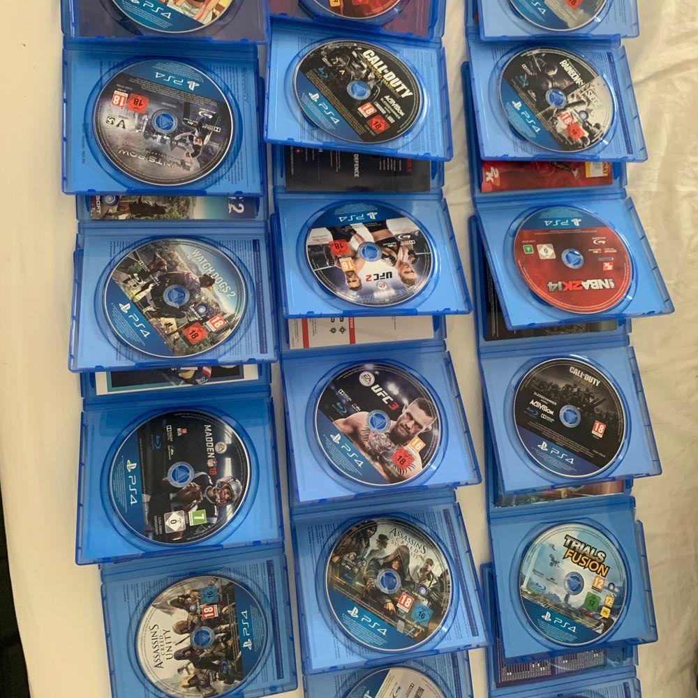 Har massa olika ps4 spel som jag inte längre använder skivorna är i bra skick nästan inga repor. Har tänkt 100kr per spel eller alla för 600 det är 17st spel totalt så 600 kr för alla är väldigt bra! Tack mvh Filip . Övrigt.