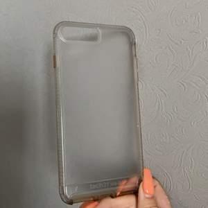 ⚡️Säljer nu detta stilrena genomskinliga mobilskal då jag bytt mobil💎⚡️ passar till iPhone 7 Plus💎⚡️