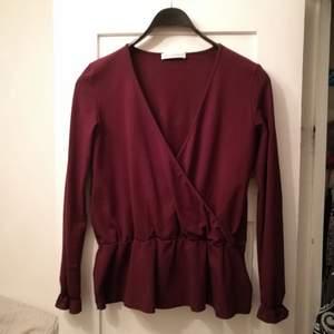 Jättefin blus/tröja från Anna Holtblad. Knappt använd och köpt för ca 1995 kr.