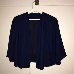 Fin liten grej att hänga över en klänning tex:)
