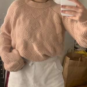 mysig rosa stickad tröja från Cubus i storlek M🥰