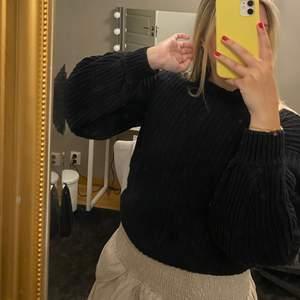 Mysig tröja, spegeln som är smutsig inte tröjan, priset är inkl frakt