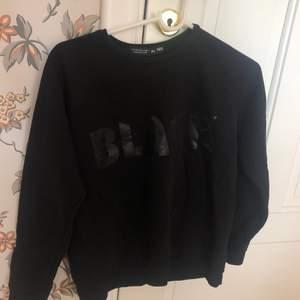 Sweatshirt ifrån lager 157 strl 160, passar XS