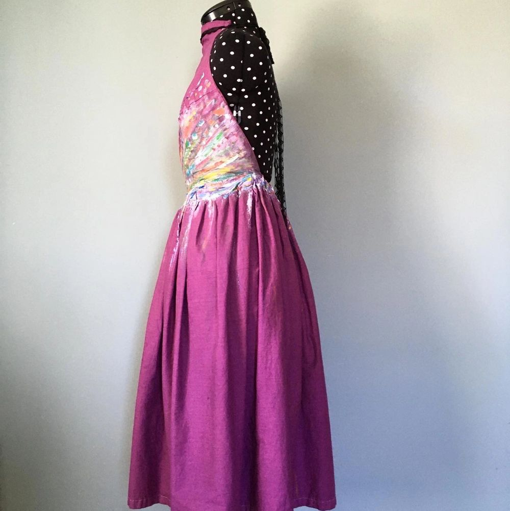 En st festklänning. (Använd en gång)   Egensydd  Färgat tyget och även målat på den.    . Klänningar.