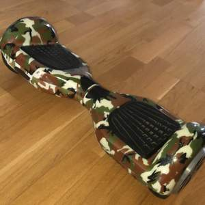 Selling my cool  military coatumized hoverboard! It is in a very good condition! Bought in Oslo a while ago. Hmu for price discussions ☺️
