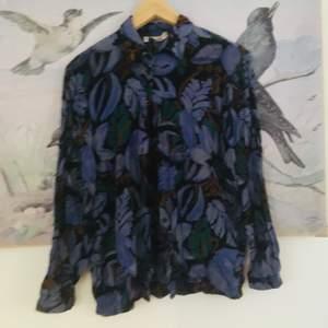 Superfin och mjuk skjorta köpt på secondhand. Så fint mönster!