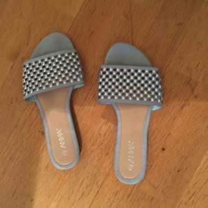 1 par sandaler från a ANNA i storlek8. Knappt använda.