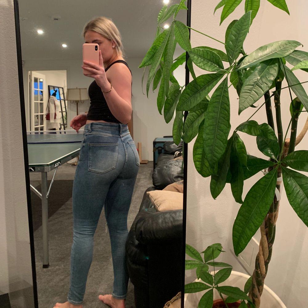 Blå supersköna tights jeans med stretchiga material🤩🤩 frakt tillkommer. Jeans & Byxor.