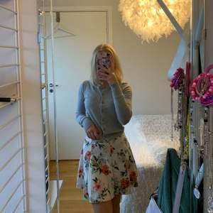 Jättefin kjol från Bersha strl xs