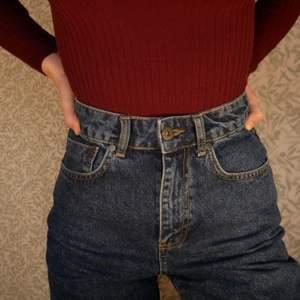 Jättenajs shorts från ragged som jag köpte här på Plick typ förra veckan, satt inte som jag ville så säljer vidare dem! Säljer då jag verkligen behöver plats i min garderob och behöver pengarna! Studentlivet... 🥴 Bara att höra av sig för fler bilder/info. Fixar alltid bra paketpris om ni köper fler kläder samtidigt, frakten varierar, men snabba affärer uppskattas alltid och då kan priset sjunka lite. ❤️ kolla gärna in resten av min sida
