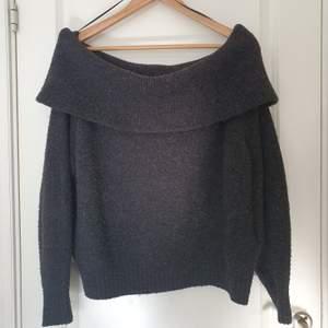 Off shoulder tröja ifrån H&M! Frakten ingår.