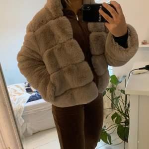 Fluffig fett skön jacka