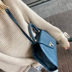 Grön gammal väska i perfekt skick!!