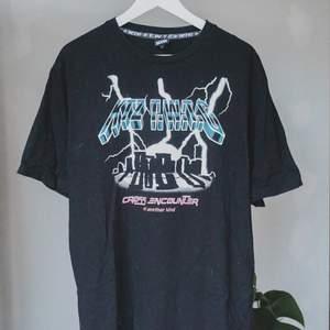 T-shirt från KTX, köpt på farfetch. Retail: 2500kr.
