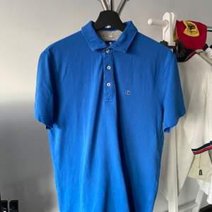 Säljer denna 2000tals champions tröja med superbrs skick, Har inget fast pris BUD GÄRNA!