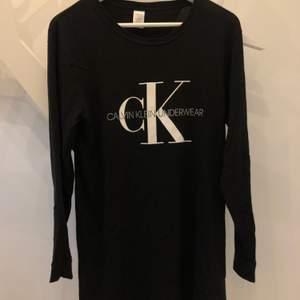 Pyjamas (klänning)  från Calvin Klein, super fin! Stl. M
