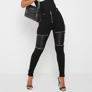 Skitsnygga leggings från Manière De Voir, aldrig använda pga fel storlek, vegansk mockaimitation nypris 580kr, frakt ingår