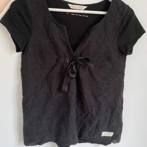 Säljer min söta oddmolly t-shirt då den inte kommer till användning! Använt den cirka 4 gånger så därav väldigt bra skick!
