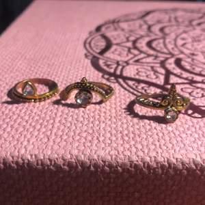 Vackra ringar som jag har alldeles för många av! 25kr styck eller alla tre för 60