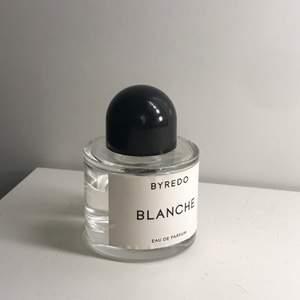 Säljer Byredo parfym - Blance 50ml. Ca 75% kvar. Frakt ingår inte. Ursprungspris: 1 200:-