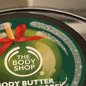 Body butter från the body shop! Aldrig använd och mycket fint skick, någon slags Winter edition!