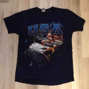 Vintage USA t shirt.   125kr inklusive spårbar frakt.  Tveka inte att fråga om du undrar över något! :)